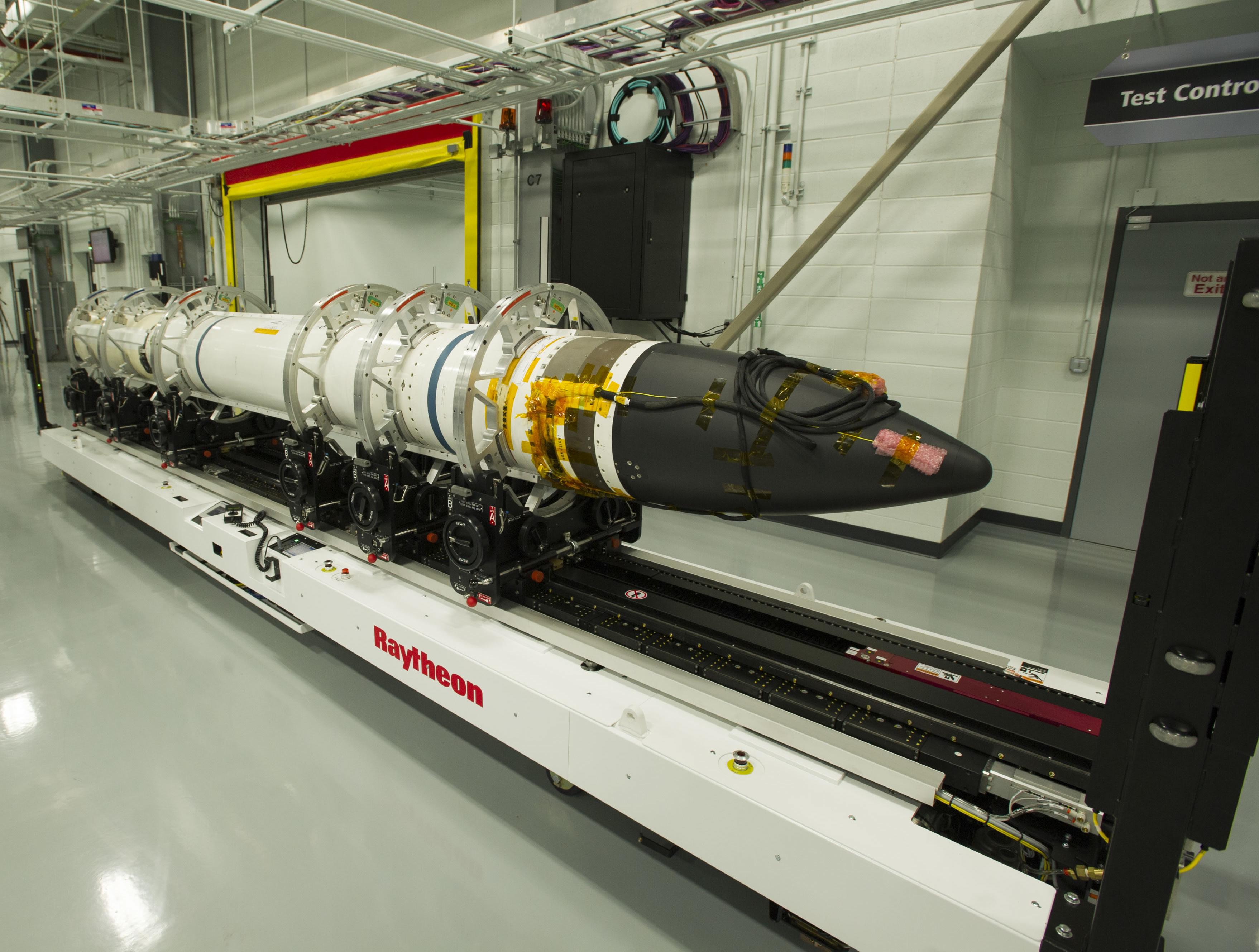 A Raytheon SM-3® Block IIA rakétája, mely az európai védelmi rendszerek egyik központi eleme lesz 2018-tól. Kép forrása: Raytheon