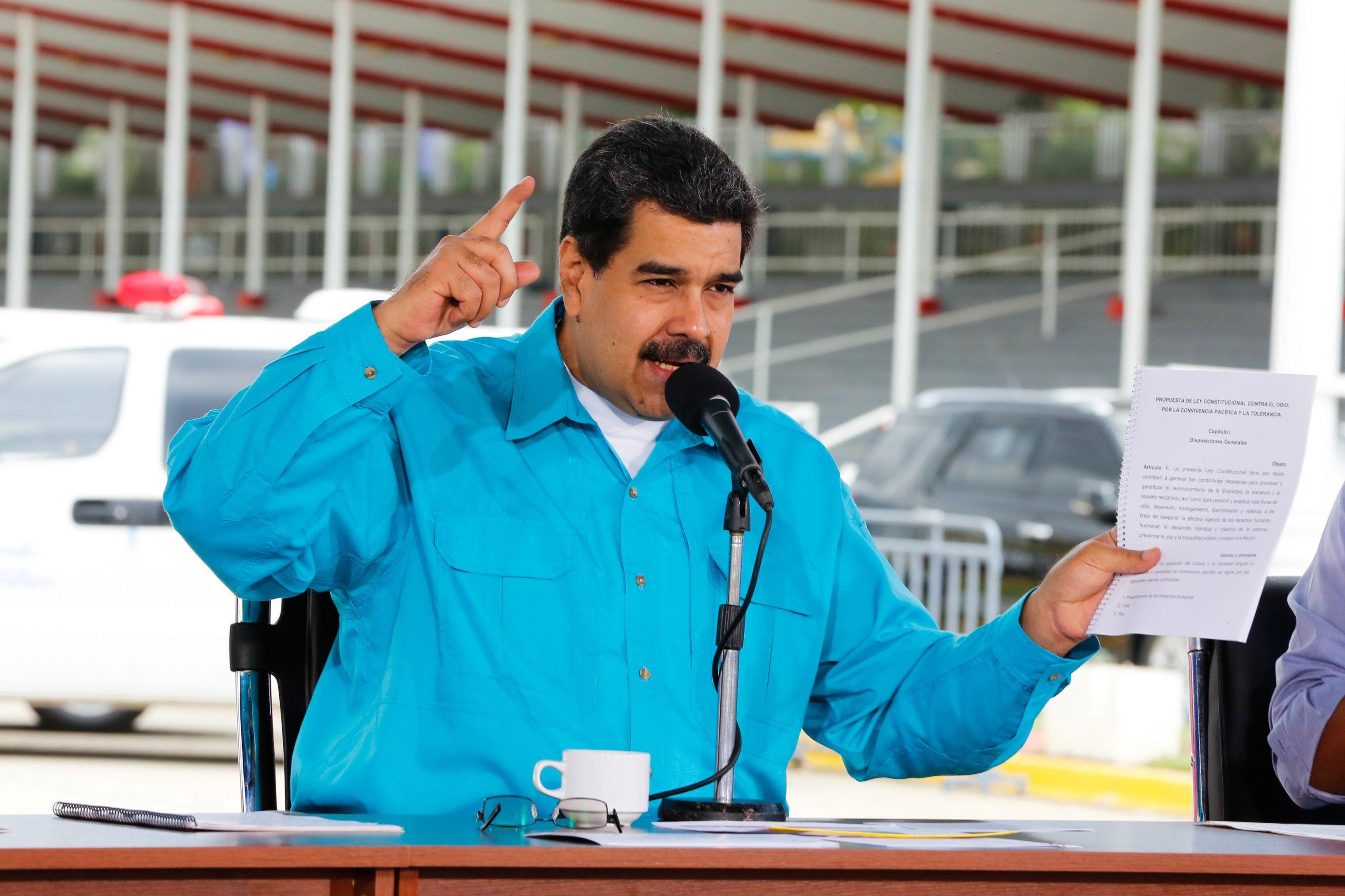 Nicolas Maduro egy kormányzati eseményen beszél Caracasban, Venezuelában 2017. november 2-án az adósság refinanszírozásáról és átstrukturálásáról. EPA/PRENSA MIRAFLORES HANDOUT HANDOUT EDITORIAL USE ONLY/NO SALES