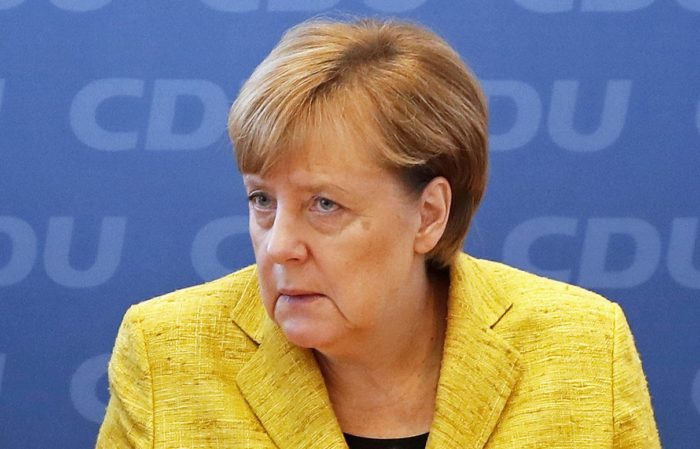 epa06311297 German Chancellor Angela Merkel during a party's board meeting at the Christian Democratic Union (CDU) headquarters in Berlin, Germany, 06 November 2017. The political parties engaged in exploratory talks to form a new government after the general elections are holding party meetings to discuss with its members the stand of the negotiations.  EPA/FELIPE TRUEBA