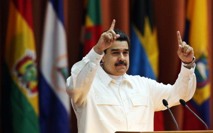 Havanna, 2017. december 15. Nicolás Maduro venezuelai államfő a Bolívari Szövetség Amerika Népei Számára (ALBA) elnevezésű kormányközi egyezmény létrejöttének 13. évfordulója alkalmából tartott találkozón Havannában 2017. december 14-én. Ezen a napon egy manhattani bíróság drogcsempészet miatt egyenként 18 év börtönbüntetésre ítélte Maduro felesége, Cilia Flores két unokaöccsét, akik több mint 700 kilogramm kokaint akartak értékesíteni az Egyesült Államokban. (MTI/EPA/Alejandro Ernesto)