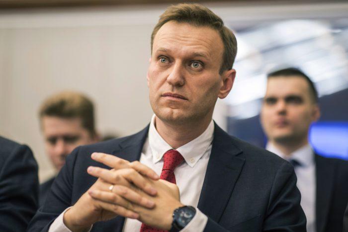 Moszkva, 2017. december 25. Jevgenyij Feldman, Alekszej Navalnij orosz ellenzéki vezetõnek és korrupcióellenes aktivistának a fotósa által készített felvétel az ellenzéki vezetõrõl az orosz Központi Választási Bizottság moszkvai irodájában 2017. december 25-én. A bizottság ezen a napon elutasította az ellenzéki politikus jelöltségének bejegyzését, így Navalnij nem indulhat 2018-as orosz elnökválasztáson. A testület azzal indokolta a döntést, hogy Navalnijt súlyos bûncselekmény miatt elítélték. (MTI/AP/Navalnij kampányiroda/Jevgenyij Feldman)