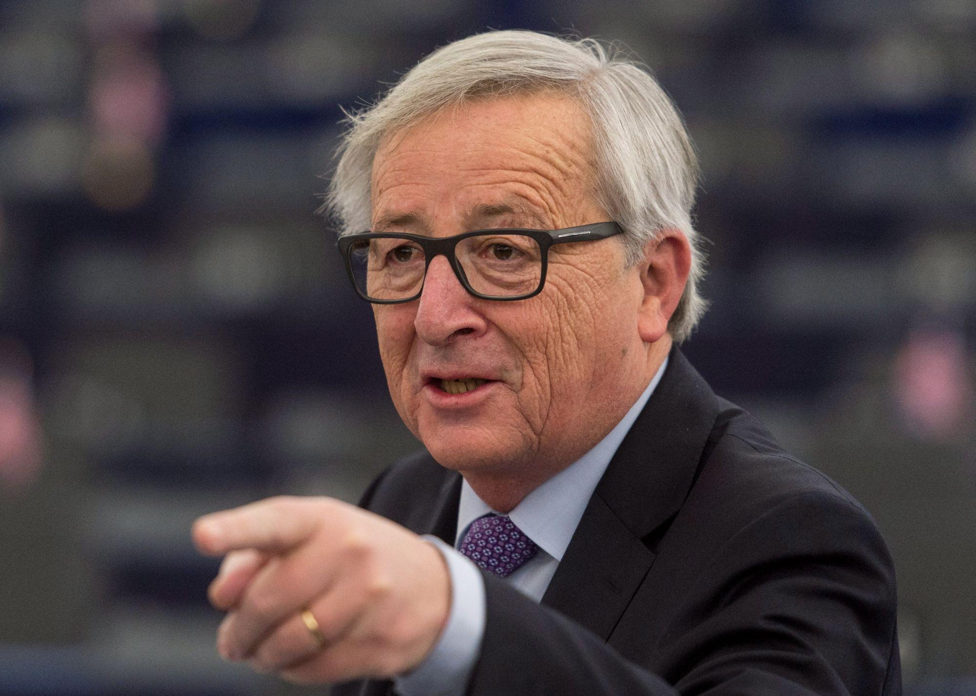 Jean-Claude Juncker, az Európai Bizottság elnöke felszólal az Európai Parlament plenáris ülésén Strasbourgban 2018. január 16-án.  (MTI/EPA/Patrick Seeger)