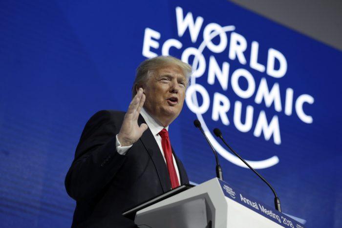 Davos, 2018. január 26. Donald Trump amerikai elnök felszólal a Világgazdasági Fórum 48. davosi találkozóján 2018. január 26-án. (MTI/AP/Evan Vucci)