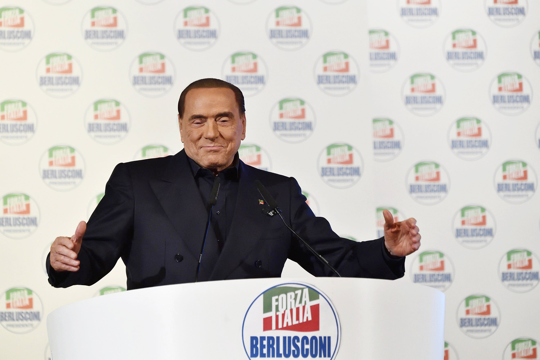 Silvio Berlusconi volt olasz miniszterelnök beszédet tart a Forza Italia egyik kampányeseményén Milánóban, 2018 február 25.-én. EPA/FLAVIO LO SCALZO
