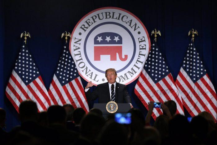 Washington, 2018. február 2. Donald Trump amerikai elnök beszél a Republikánus Nemzeti Bizottság téli ülésén a washingtoni Trump Hotelben 2018. február 1-jén. (MTI/EPA pool/Olivier Douliery)