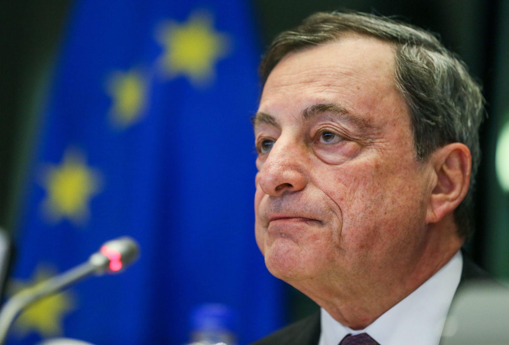 Mario Draghi, az Európai Központi Bank elnöke az Európai Parlament meghallgatásán Brüsszelben, 2018. február 26-án.  EPA/STEPHANIE LECOCQ