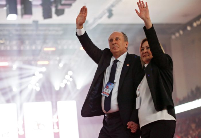 epa06493708 Yalova lawmaker and candidate for Chairman of Turkey's main opposition Republican Peoples Party (CHP), Muharrem Ince (L) and his wife Ulku Ince (R) wave during the party's 36th ordinary congress in Ankara, Turkey, 03 February 2018.  EPA/TUMAY BERKIN
