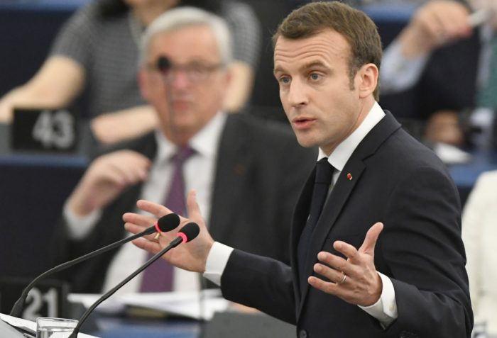 Strasbourg, 2018. április 17. Emmanuel Macron francia elnök felszólal az Európai Parlament plenáris ülésén Strasbourgban 2018. április 17-én. (MTI/EPA/Patrick Seeger)